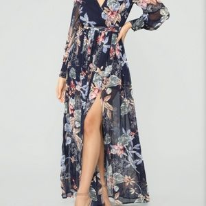 NWT/NEVER WORN FLORAL MAXI DRESS